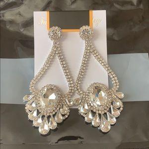 NWT JLUXLABEL Silver Rhinestone Chandelier Earring